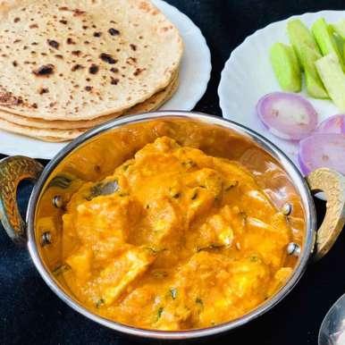 Butter Roti With Shahi Paneer